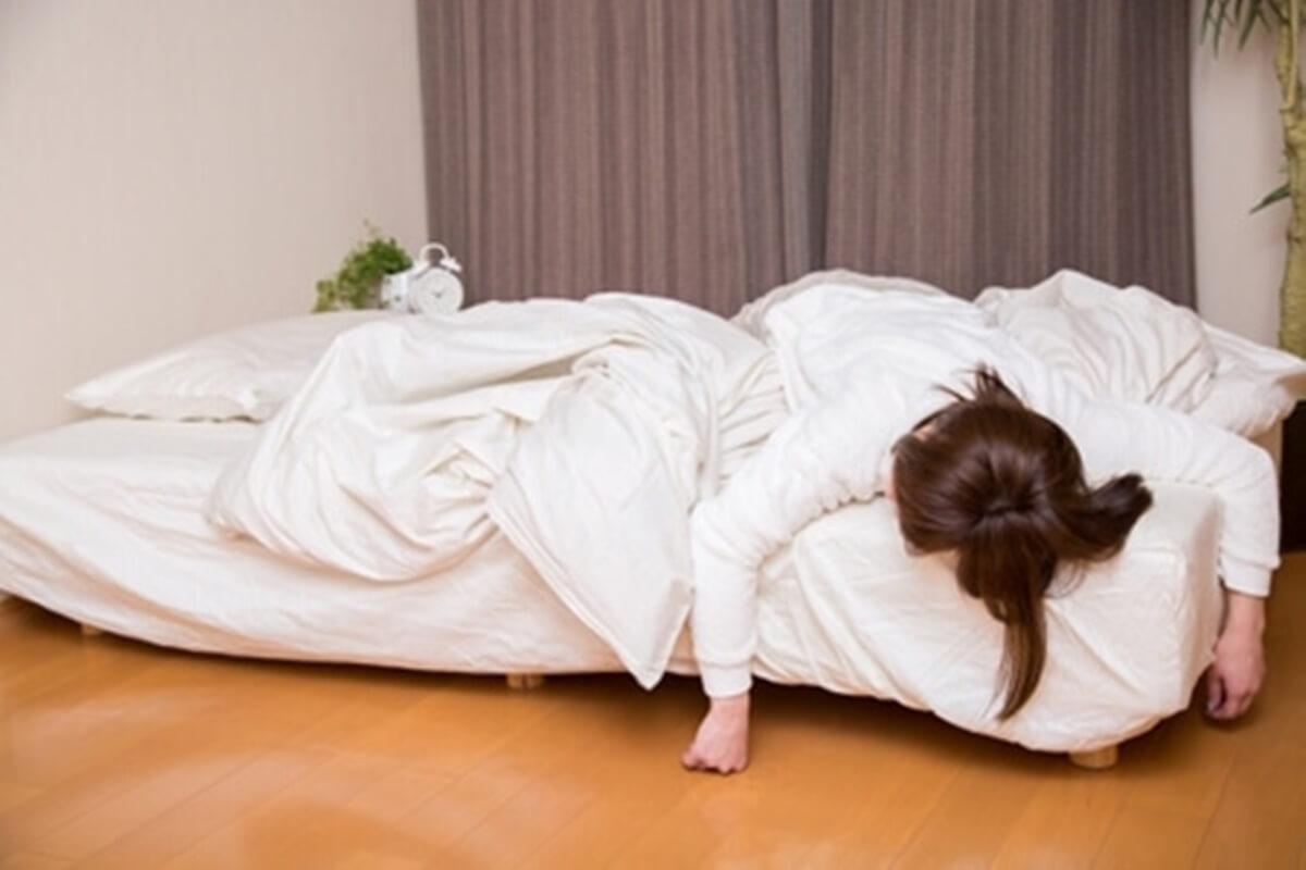この差って何ですか?2つの寝たまま体操のやり方【寝返りが原因?】朝腰が痛い人と痛くない人の差