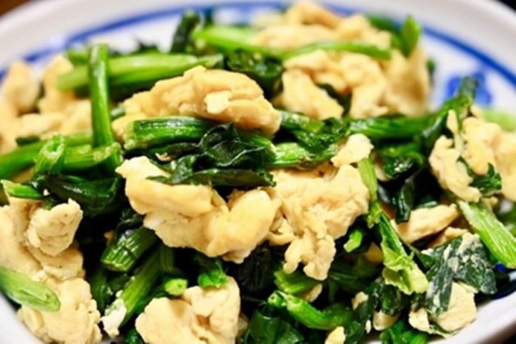 菜の花と鶏胸肉の卵炒め