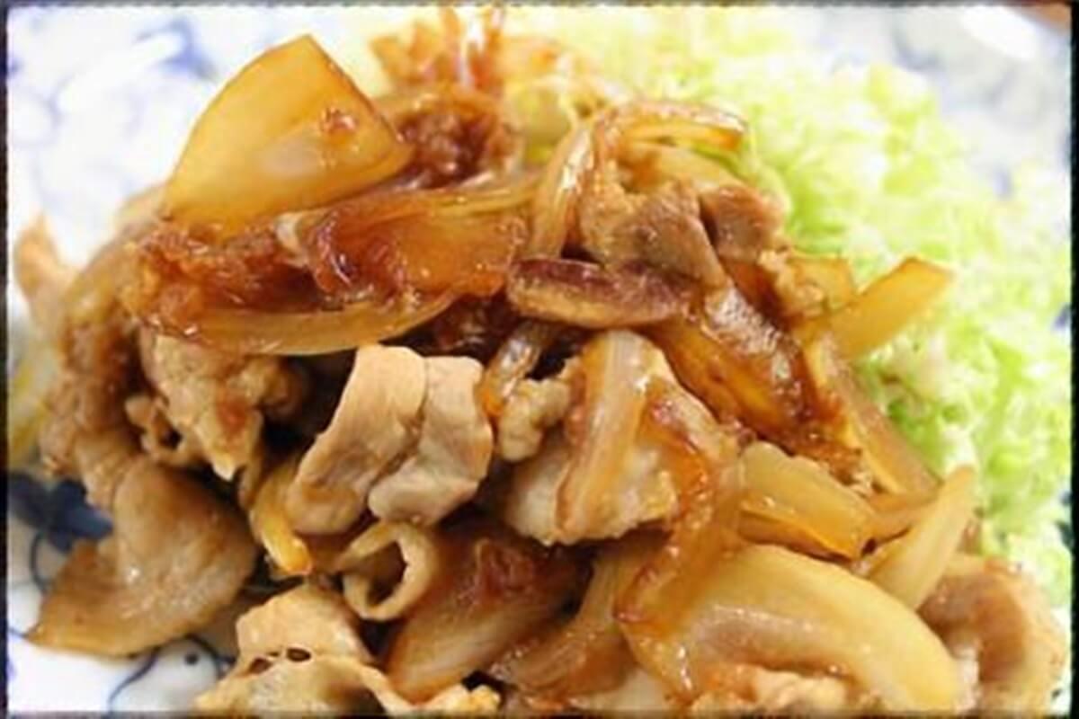 豚肉のソテー新玉ねぎカレーソース