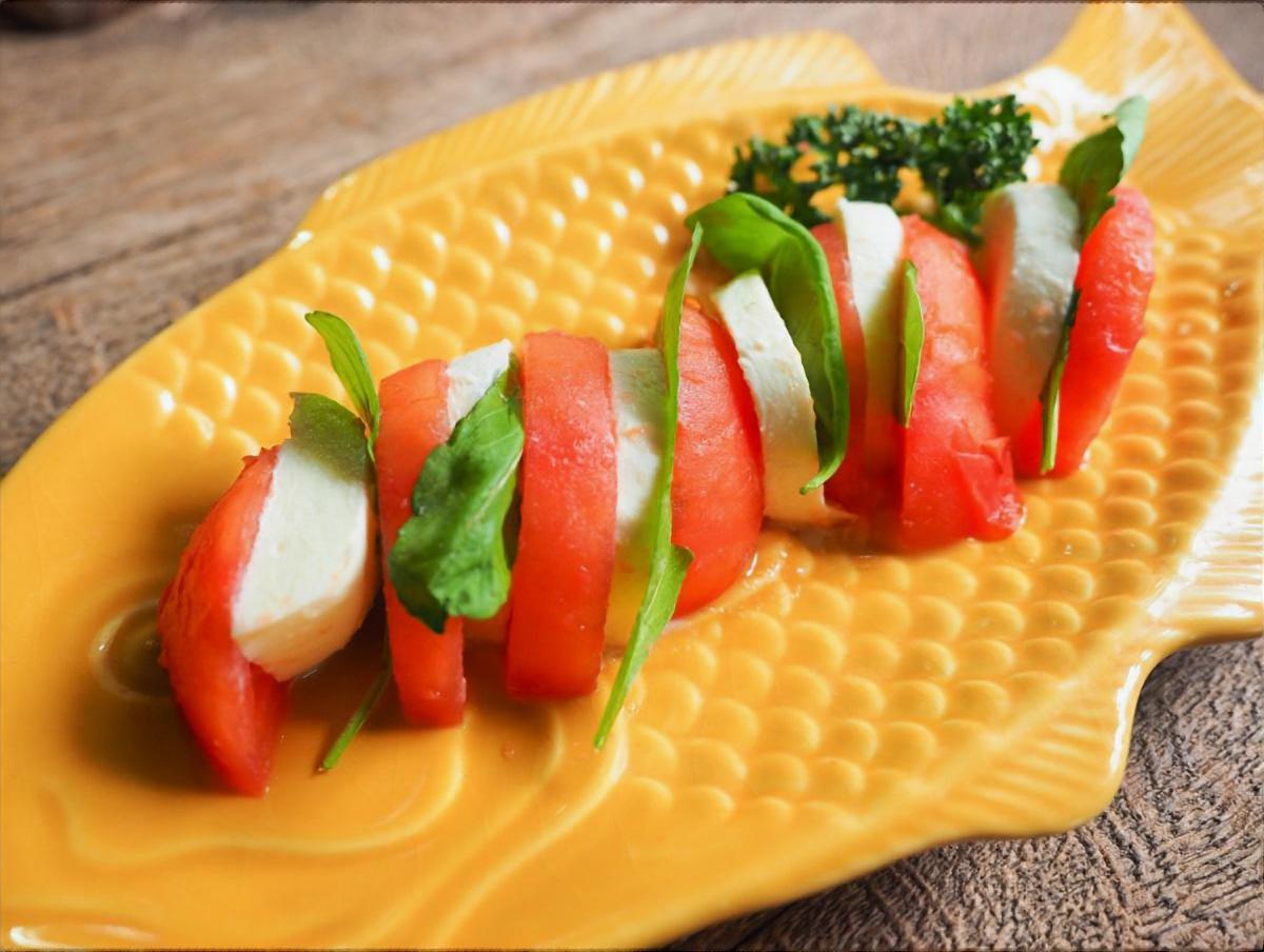 ヨーグルトdeトマトのカプレーゼ