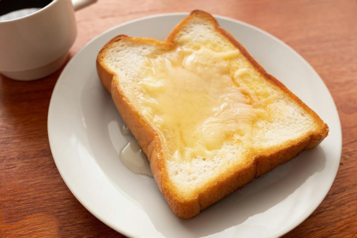 カマンベールのダブルフォルマッジトースト