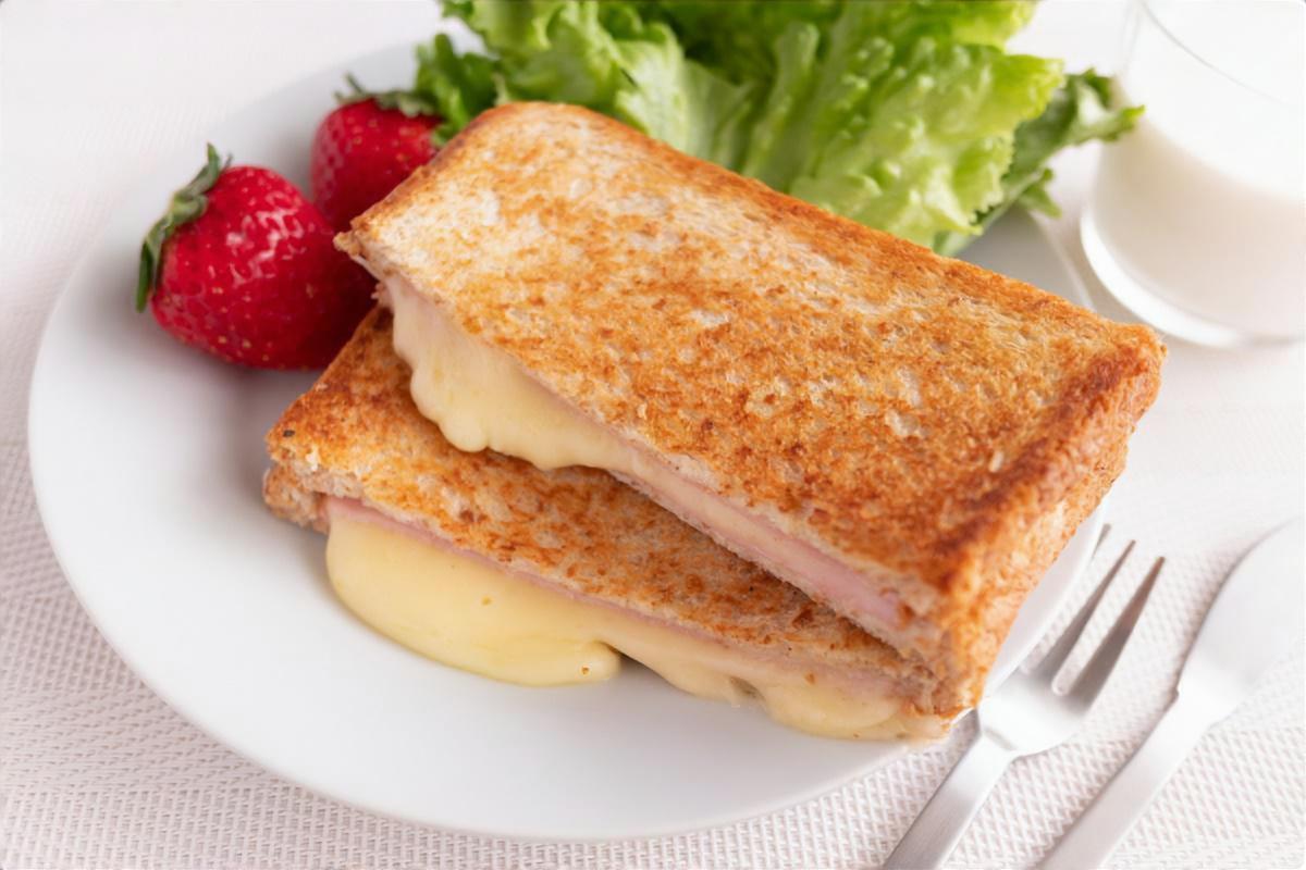 たまご&ツナマヨネーズチーズ焼き