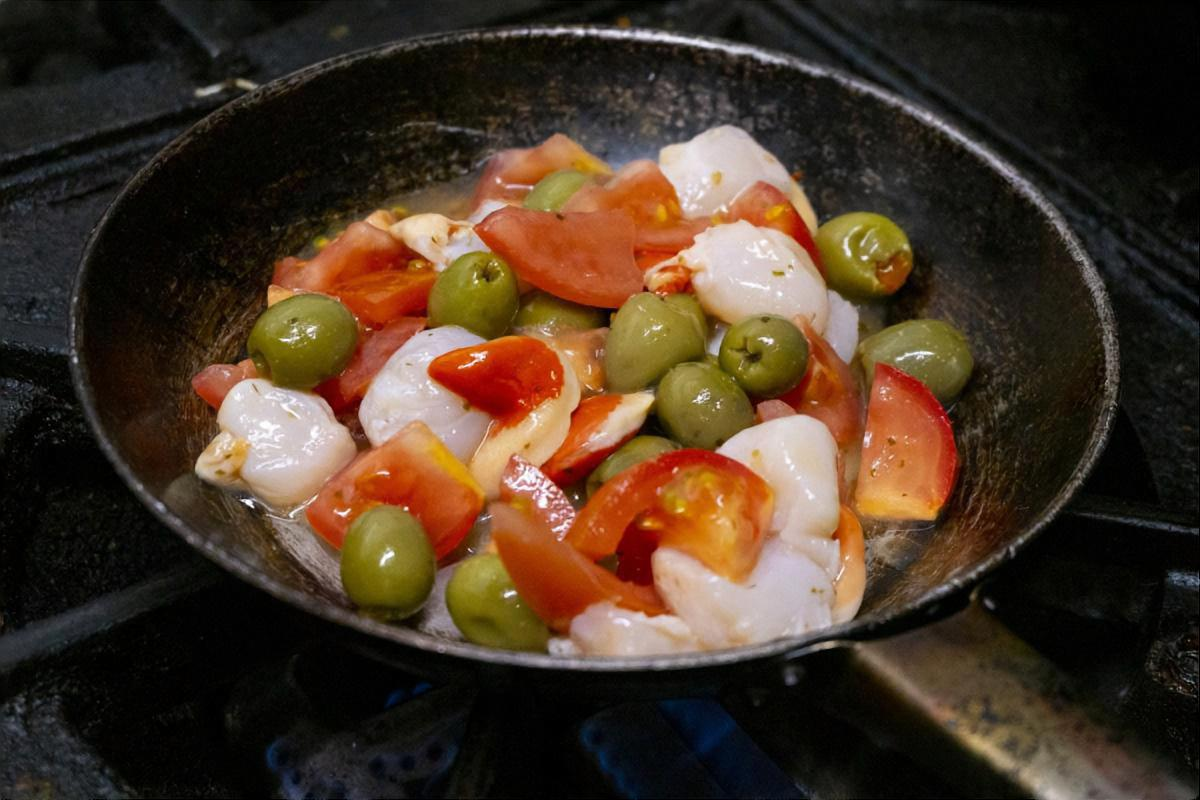 トマトとえびの梅炒め