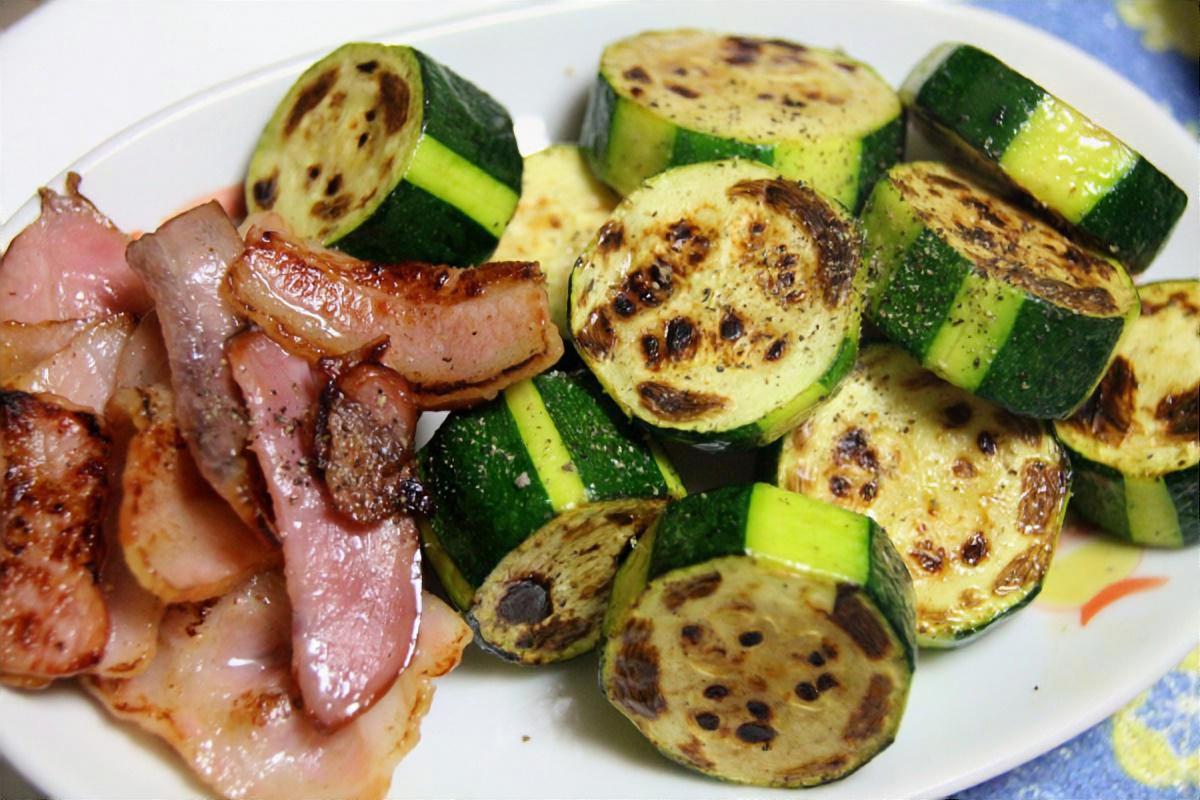 きゅうりと豚肉のスタミナ炒め