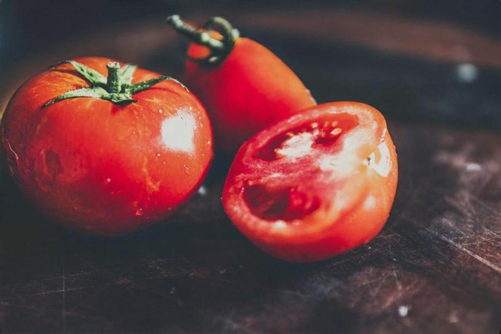 丸ごとトマトの冷やし茶漬け