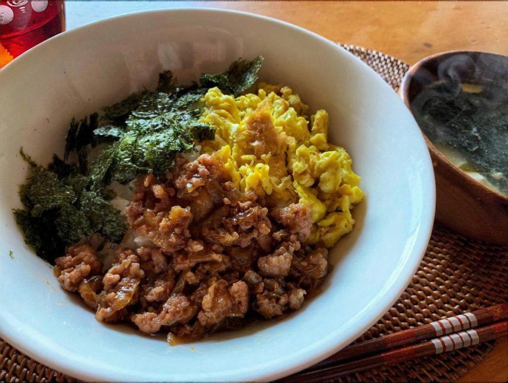 納豆と根菜のそぼろ丼