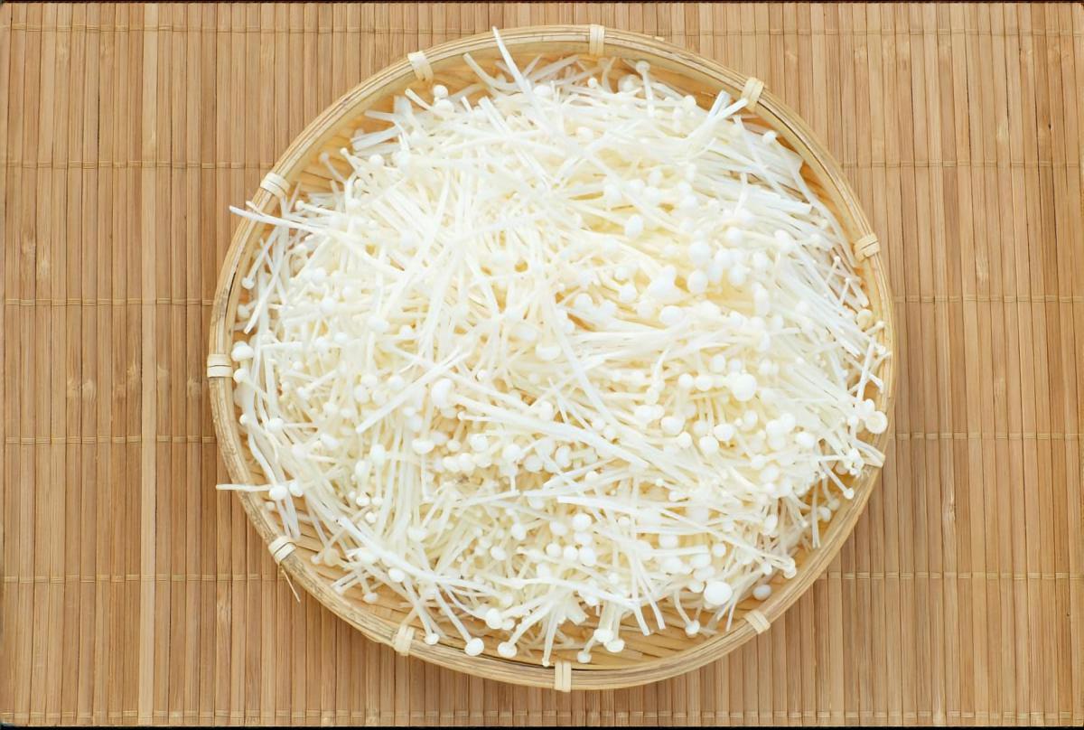 トロトロエノキとサラダチキンとチーズの和え物
