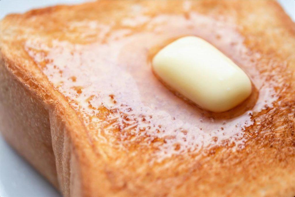 いかなごのくぎ煮トースト