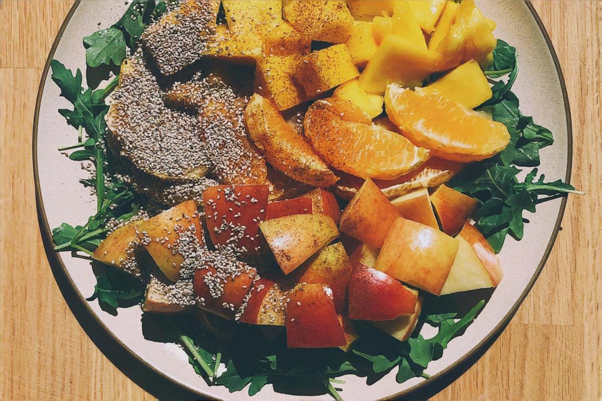 りんごと柿のチョレギサラダ
