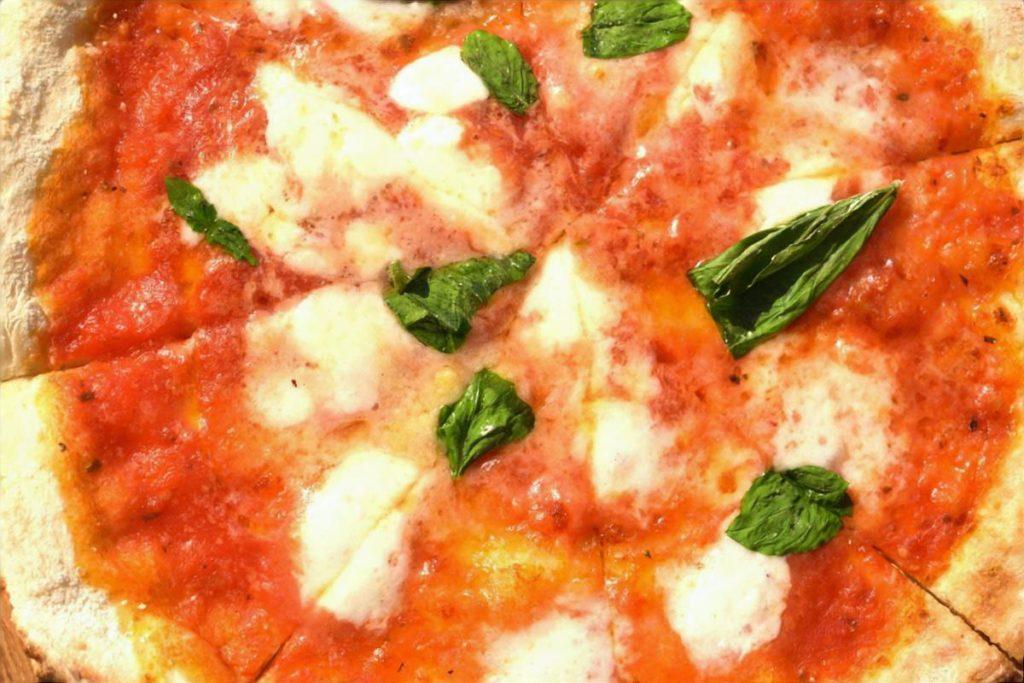 豆腐生地のピザ・マルゲリータ