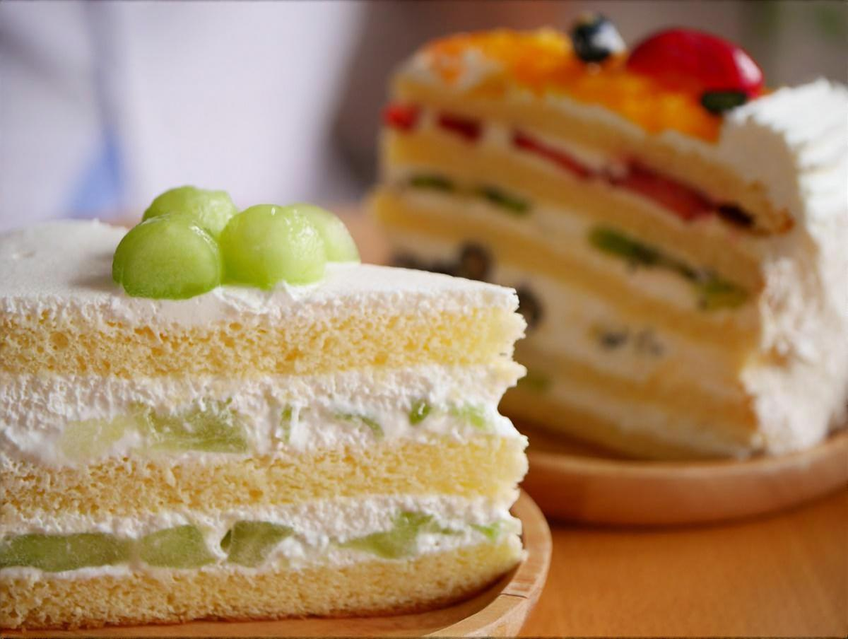 丸ごとメロンケーキ