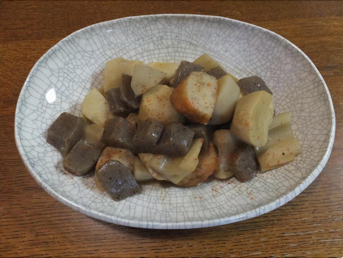 里芋とさつま揚げの煮込み