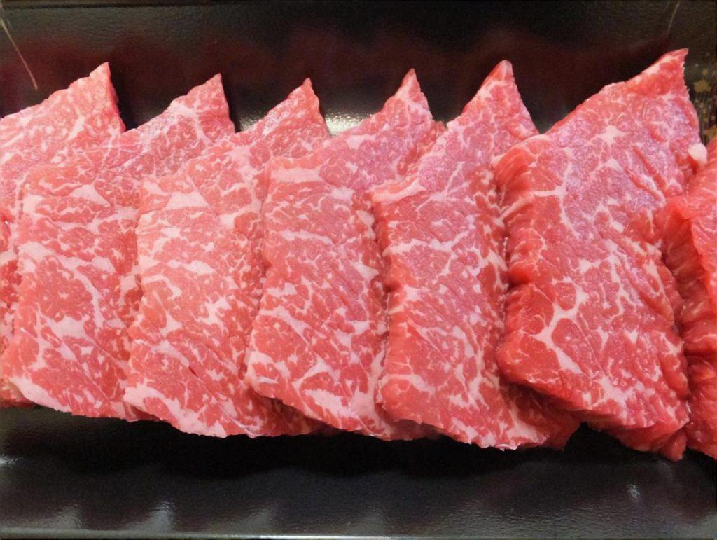 牛もも肉のキノコ炒め