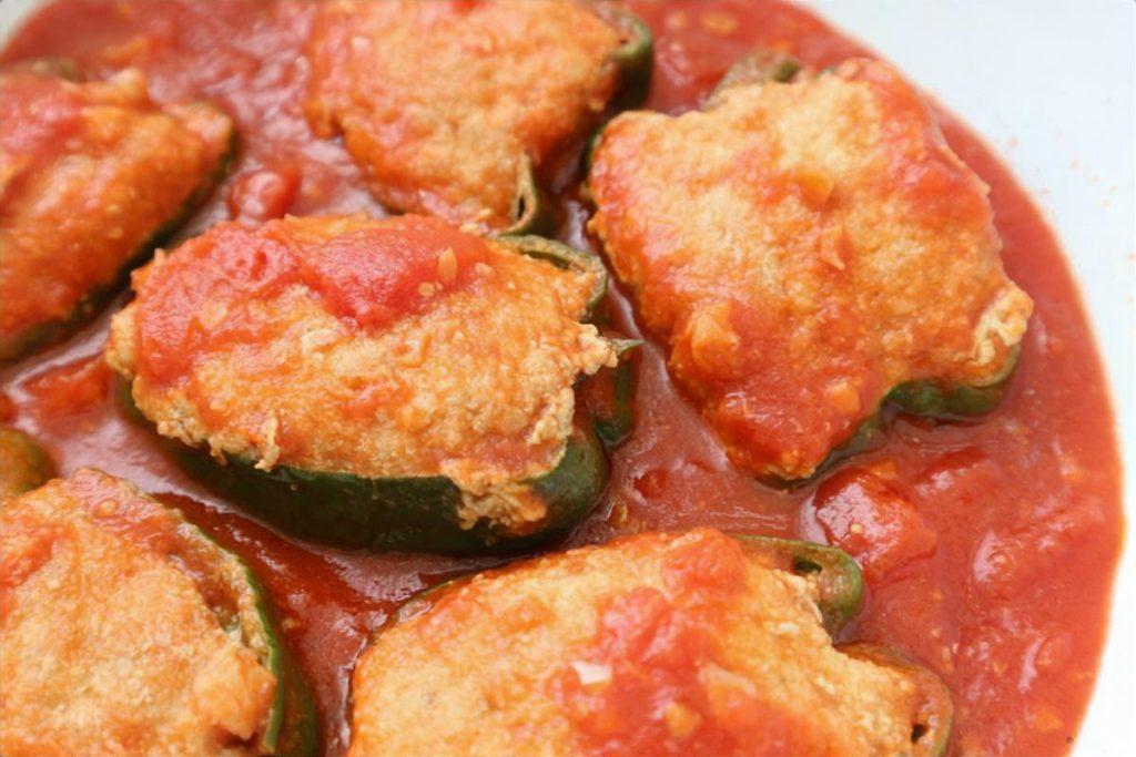 ピーマンの肉詰め トマト煮込み