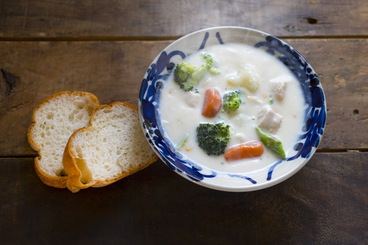 若鶏と冬野菜のフリカッセ