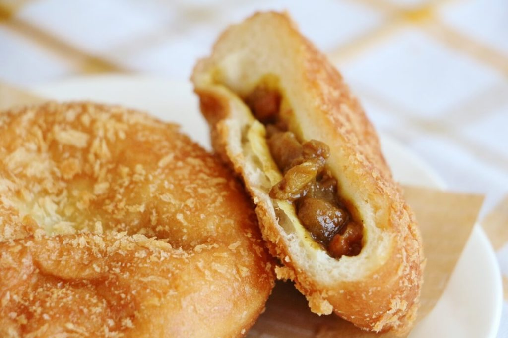 焼きチーズカレーパン