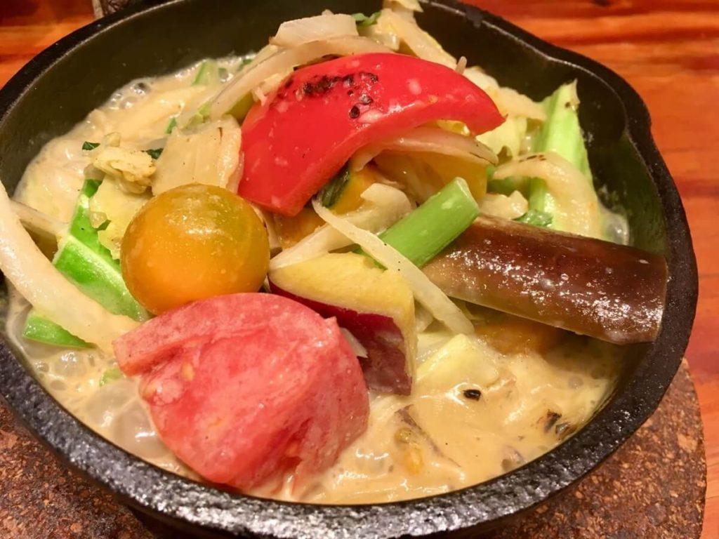 エビとアボカドのグリーンカレー鍋