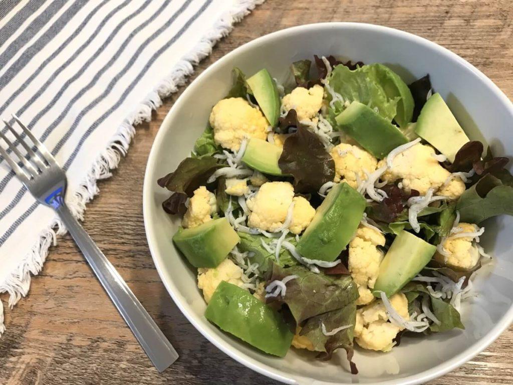 アボカドとふわとろ卵のサラダ