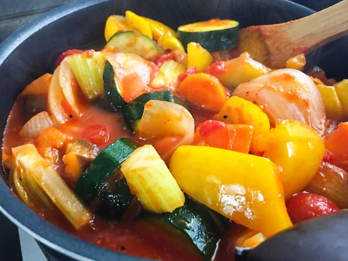 揚げもちと彩り野菜の黒酢あん