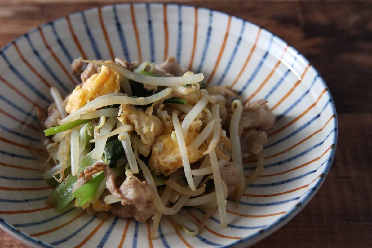 小松菜ともやしのにんにくマヨ炒め