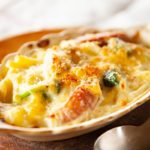 【おしゃべりクッキング】かにのマカロニグラタンの作り方を紹介!小池浩司さんのレシピ