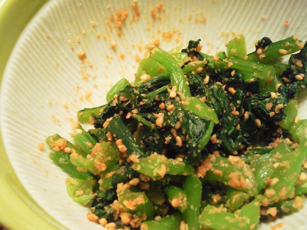 小松菜とさけフレークの中華和え