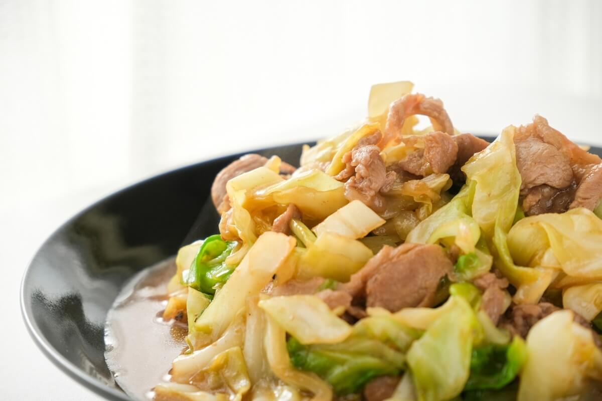 豚バラ肉とキャベツのみそにんにく煮