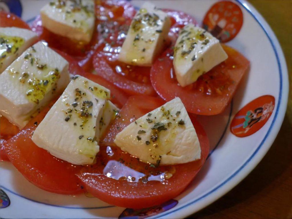 トマトと豆腐のふんわりカプレーゼ