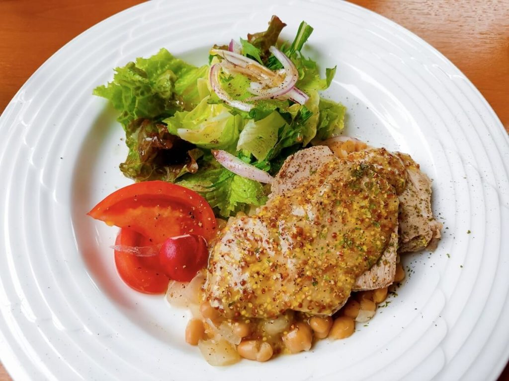 タイ風ポークサラダ