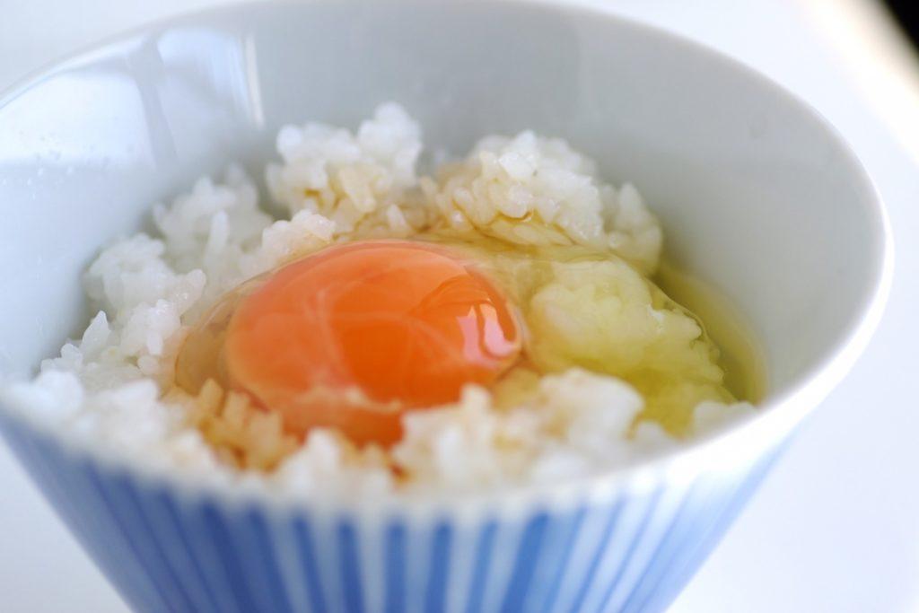 生ハム×塩こんぶ卵かけご飯