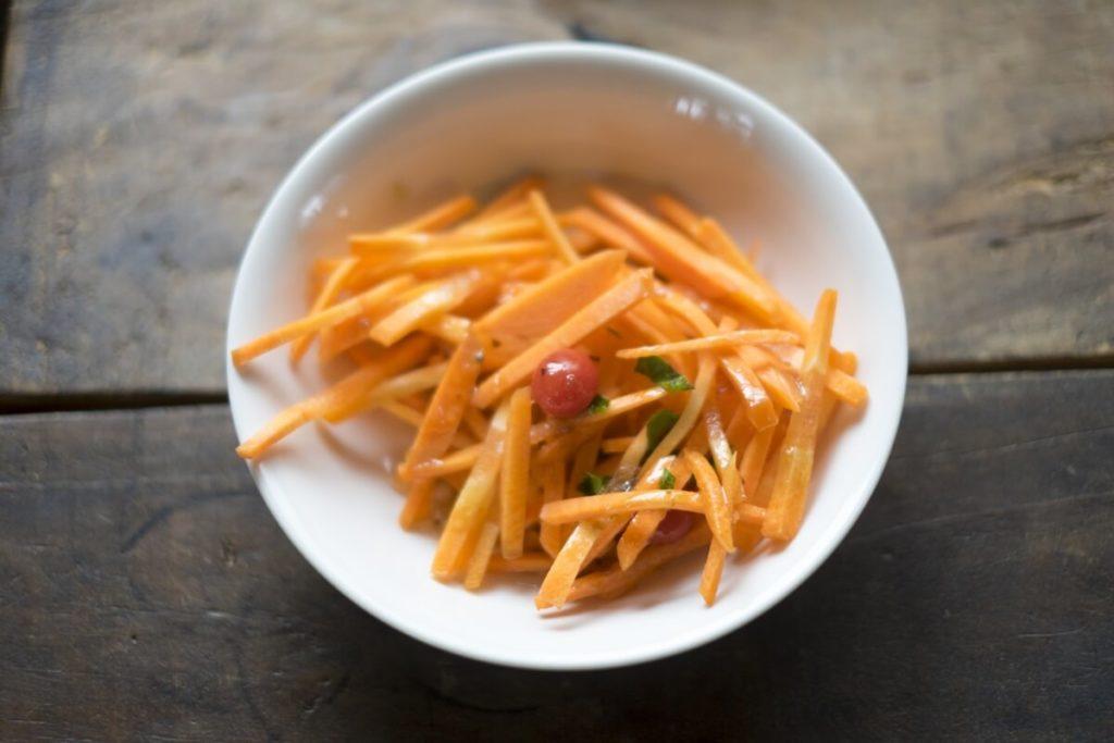 にんじんのヨーグルトサラダ