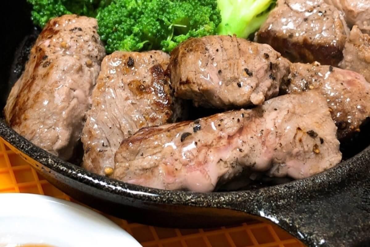 合いびき肉のサイコロステーキ
