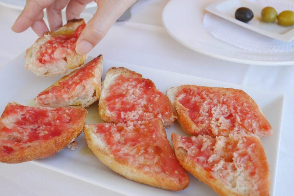 パン コン トマテ