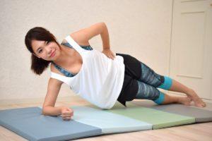 腰痛予防改善ヒザ曲げサイドブリッジ