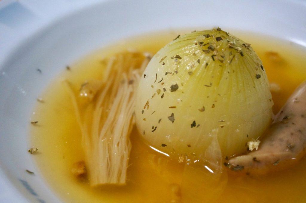玉ねぎ丸ごとスープ