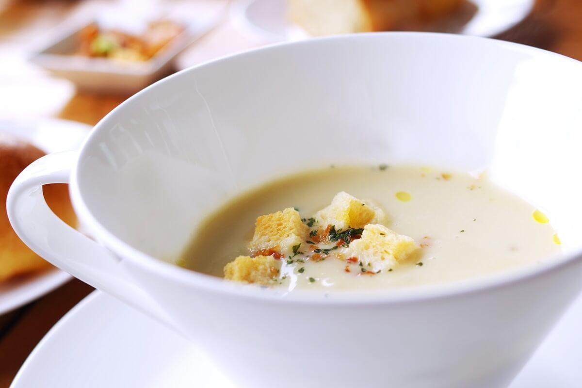 冷たいジャガイモのスープ