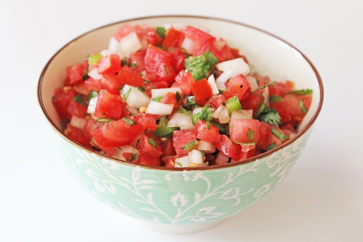 【3分クッキング】トマトと香菜の花椒あえの作り方を紹介!ワタナベマキさんのレシピ