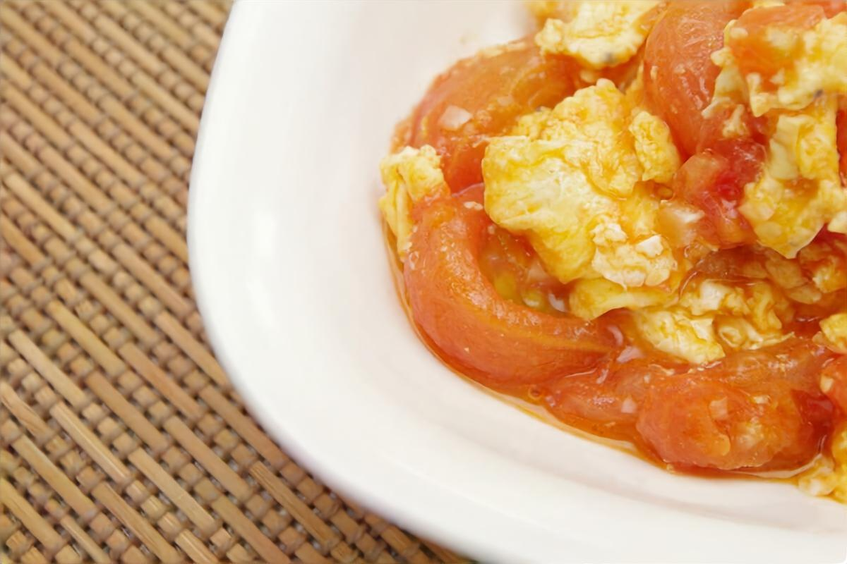 トマトと卵のオイスターあんかけ