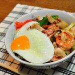 【まる得マガジン】中華あんかけ焼きそばの作り方を紹介!村野明子さんのレシピ