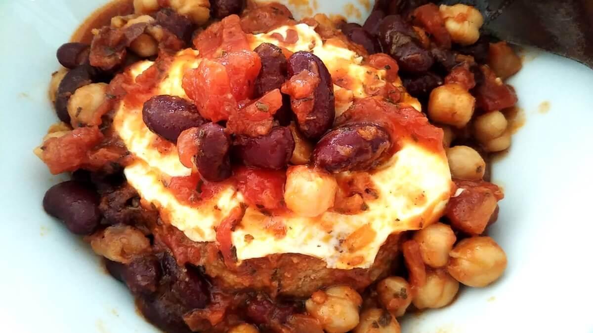 豚ひき肉と豆のトマト煮