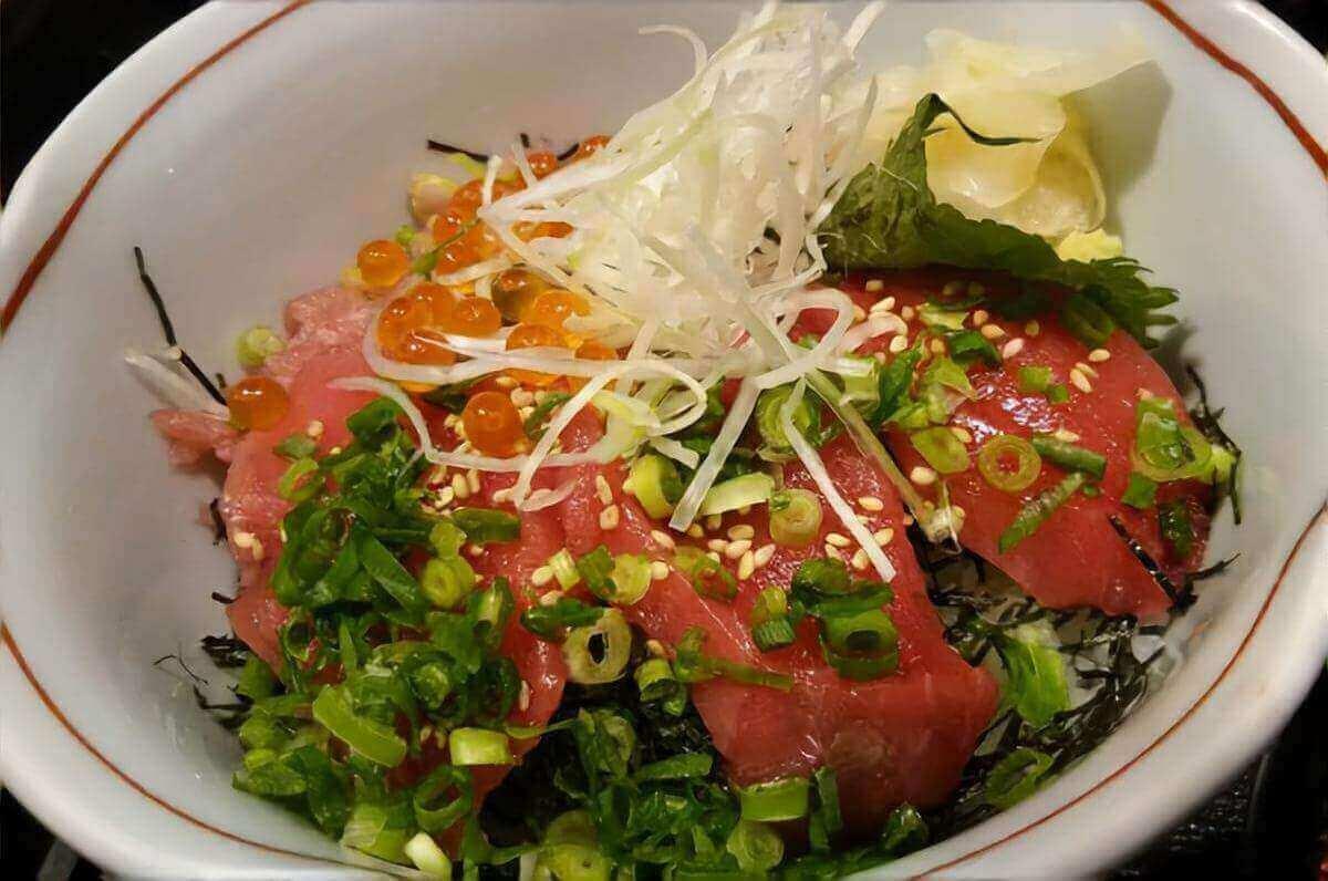 【おしゃべりクッキング】いかマグロ丼の作り方を紹介!岡本健二さんのレシピ