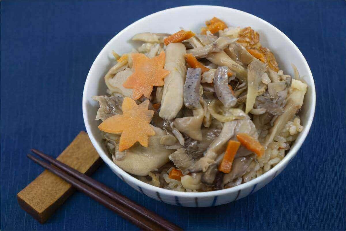 【きょうの料理ビギナーズ】きのこの炊き込みご飯の作り方を紹介!藤野嘉子さんのレシピ