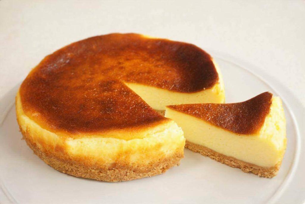 バスク地方のチーズケーキ